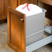 Pull-Out Trash Can Unit