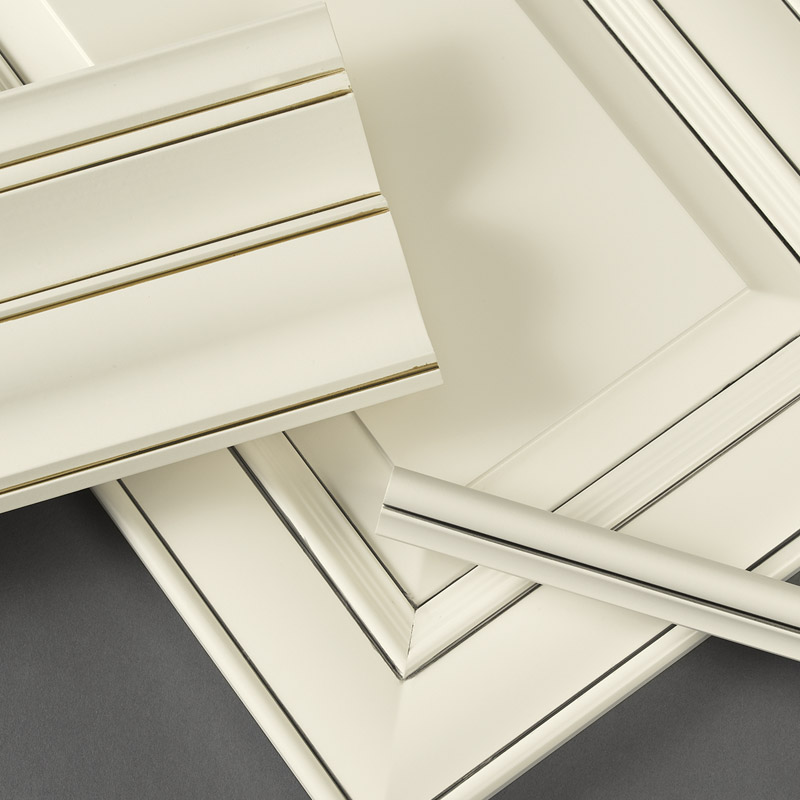 PINSTRIPE GLAZE APPLICATION WILL SUIT THOSE WHO CRAVE BOLD COLOR CONTRAST
