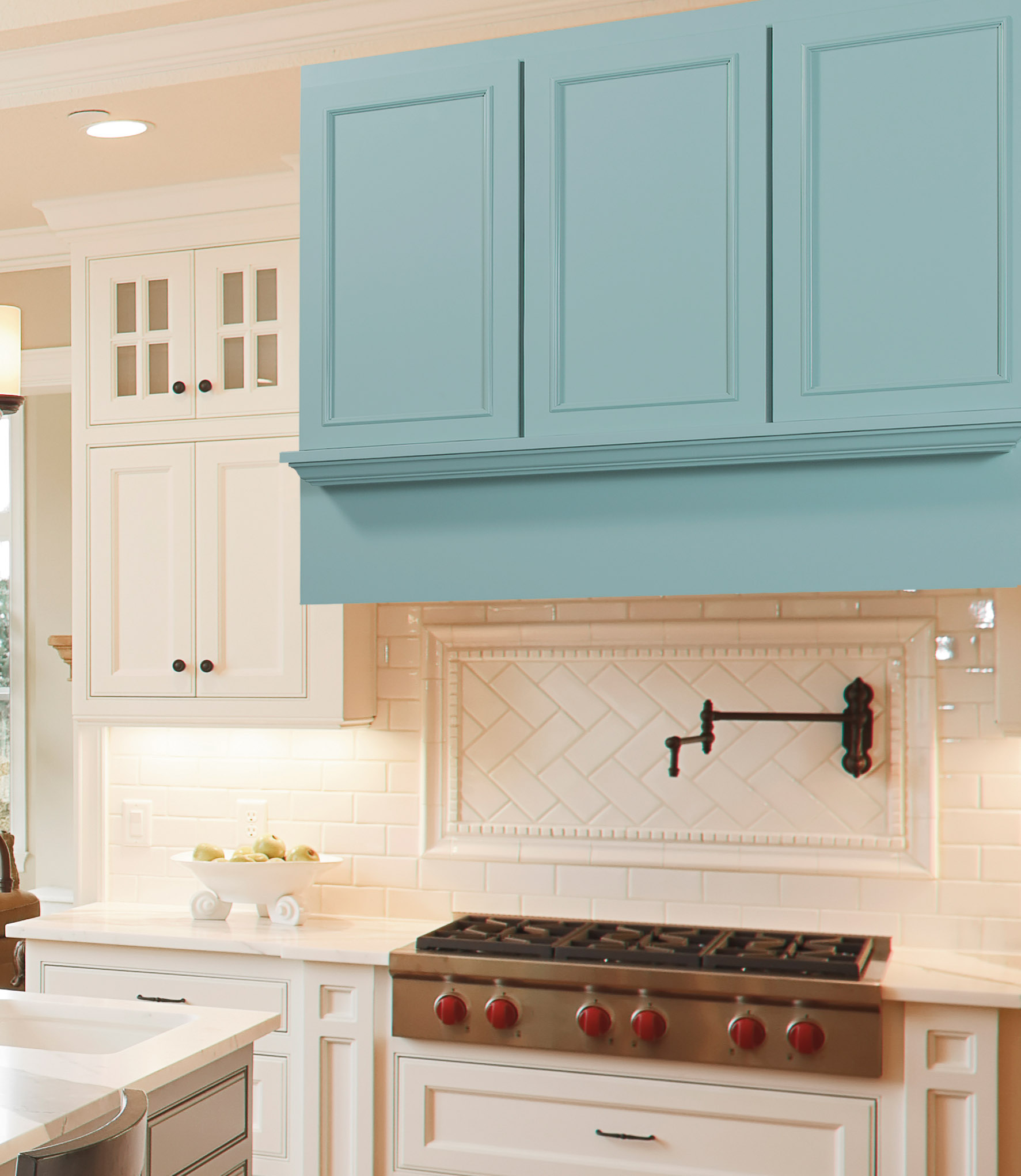 CONESTOGA PUSHES LE MARCIN RANGE HOOD OFFERING OVER THE TOP